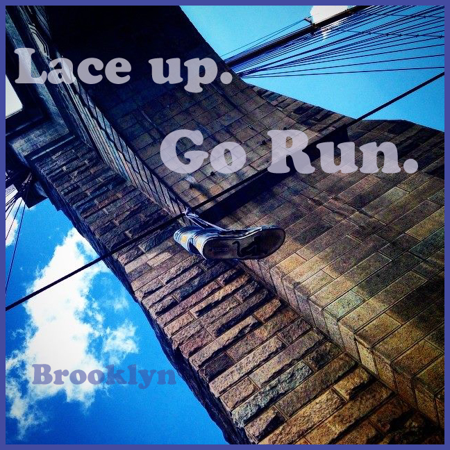 Lace up go run Shoe Dangle